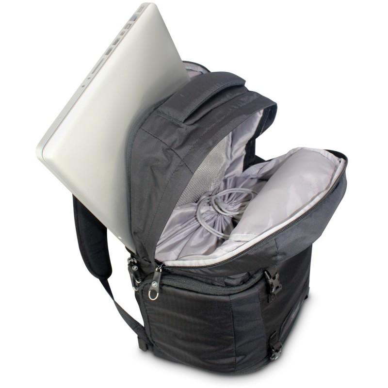 Balo PacSafe Camsafe vừa đựng laptop, vừa đựng máy ảnh.